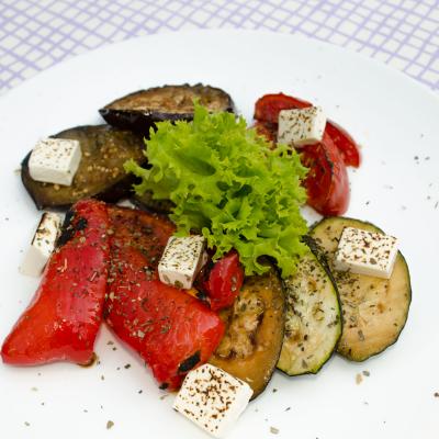 Запеченые овощи з сыром фета
