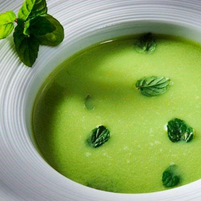 Шпинатный суп пюре с плавленным сыром