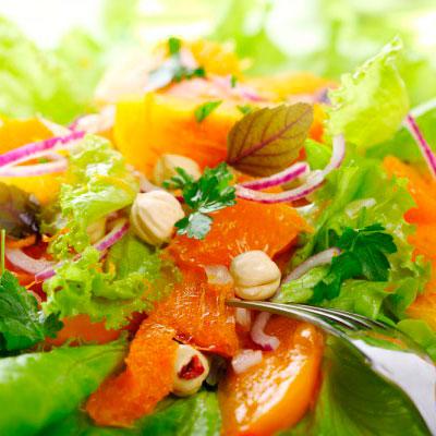 Салат из карамелезированной тыквы с орехом